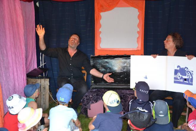 Yann Quérè  nous raconte sa cabane à contes