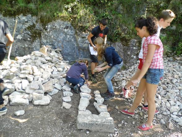 Atelier mur en pierre