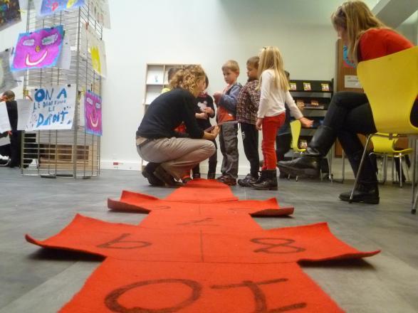 """Atelier """"La marelle des droits"""" pour les 4-6 ans-Centre de loisirs de Peypin"""