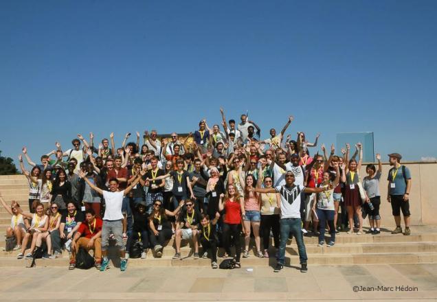 Photo du groupe de 50 jeunes allemands et 50 jeunes français sur le site du Hartmannswillerkopf