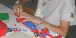 Création d'une voiture motorisée en LEGO techniques